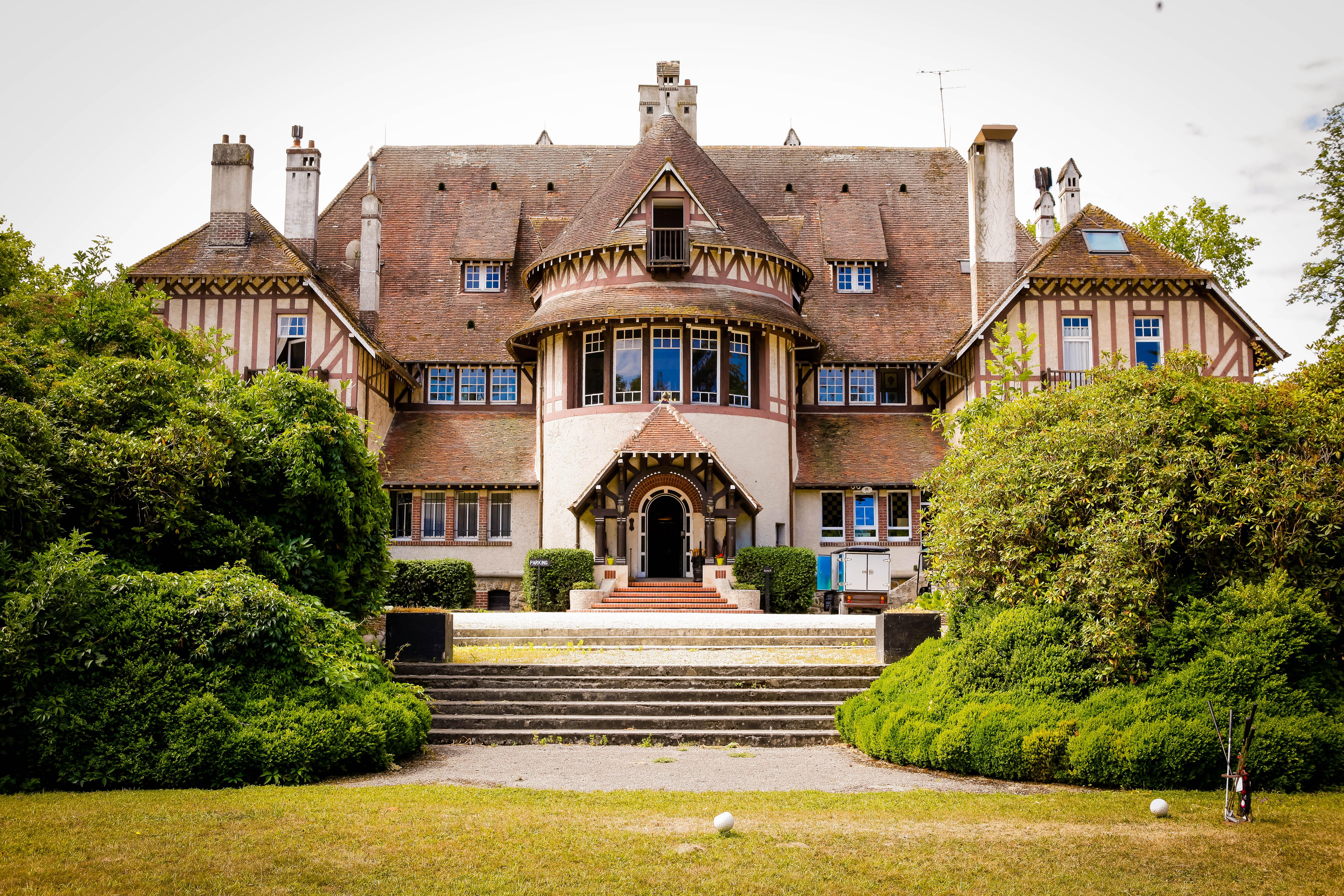 Paris / Seine & Marne, Castle-hotel 4*