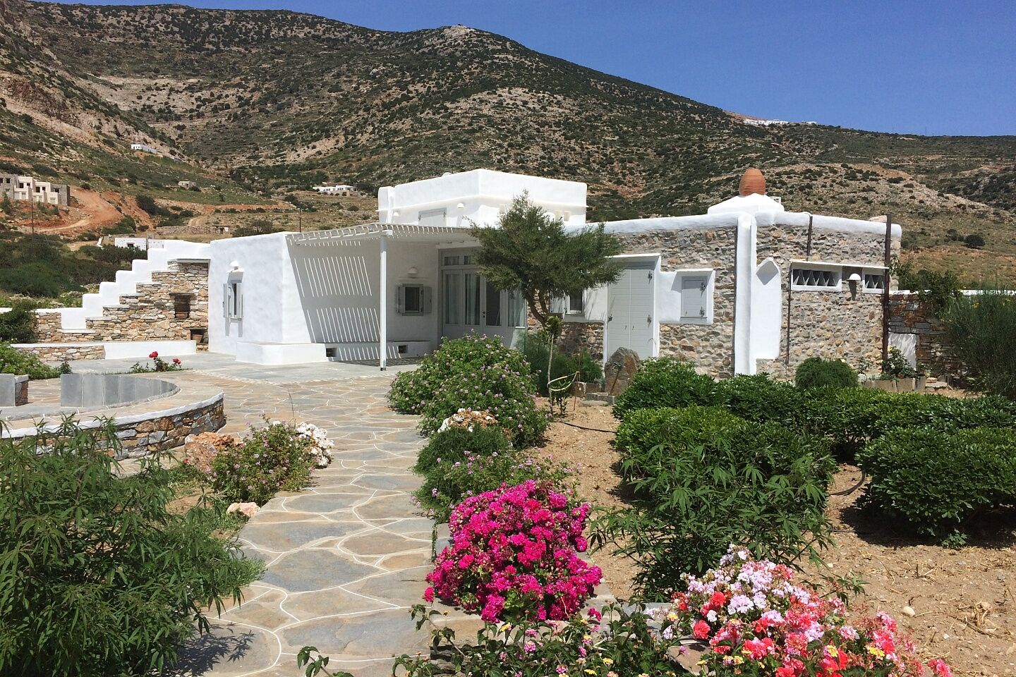 Amazing villa of 160 sq.m. Sifnos Kamares.