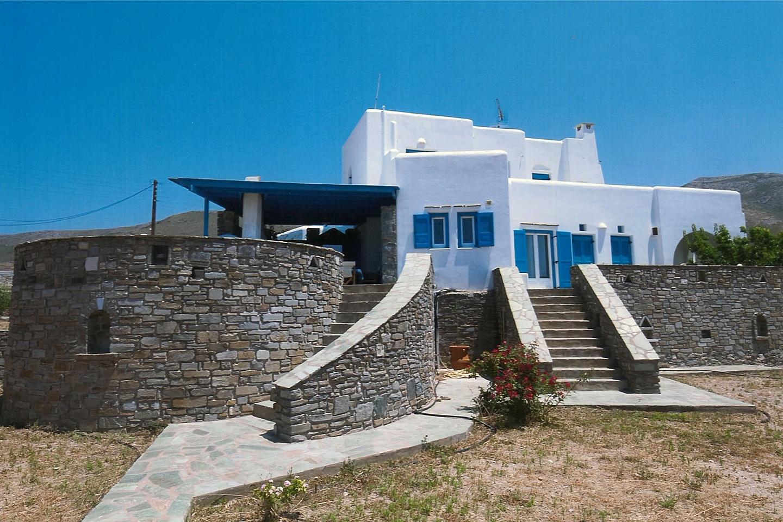 Greece / Paros-Paroika / Villa / 200 m2