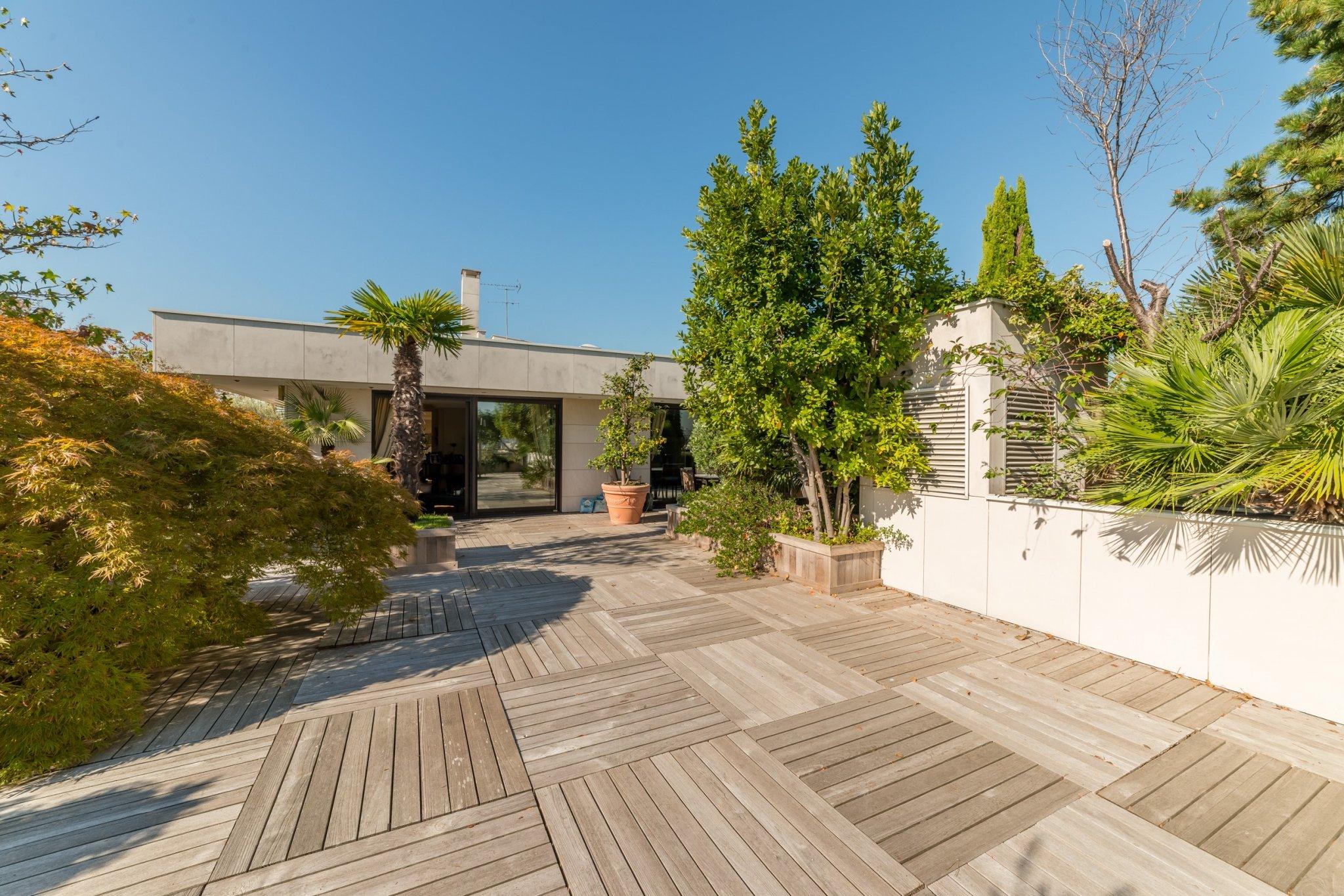 Paris / Appartement Penthouse de 270M². Terrasse 300M². Ile de la Jatte. 4790000€