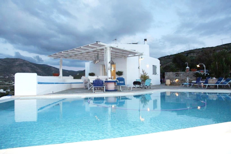 Grèce / Paros / Villa / 300 m2 /